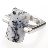 ring/silver/agate or onyx by Aki Ichiriki